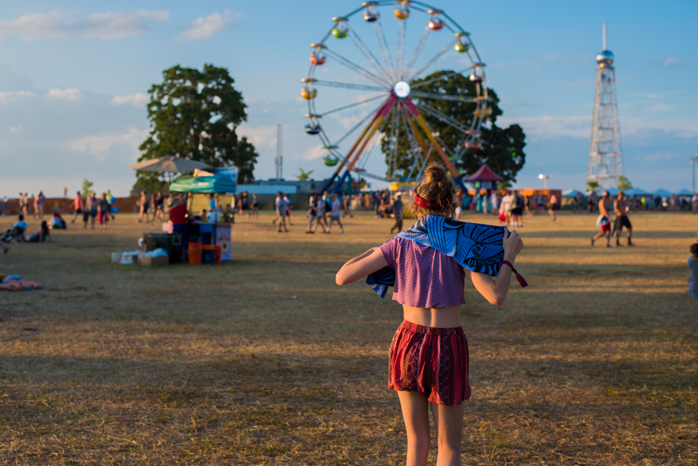 Rebecca wears her Dapper Wrap at Bonnaroo music and arts festival. Who's excited for next year?